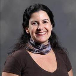 Dra. Andrea Esquível